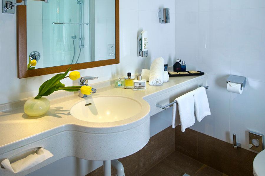 Rooms and suites at hotel innsbruck for Designhotel innsbruck